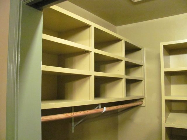 Walk-in shelves